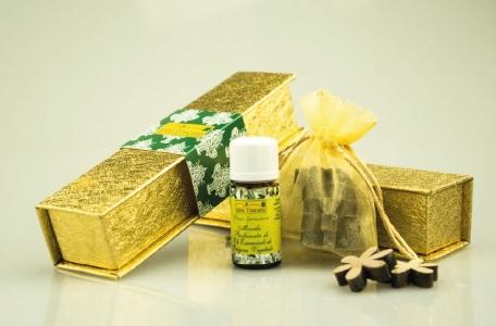 Idea Toscana Auksinė dovanų dežutė su eteriniu aliejumi ir medžio gabaliukais
