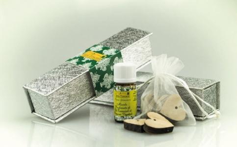 Idea Toscana Sidabrinė dovanų dežutė su eteriniu aliejumi ir medžio gabaliukais